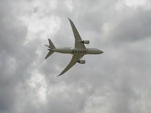 Qatar Airways Boeing 787 Dreamliner Low Pass at Farnborough 2012