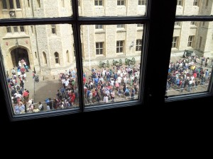 The Queues at the Crown Jewels
